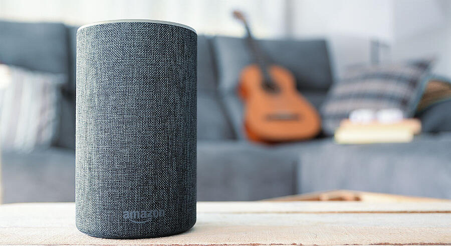 smart-speaker-in-living-room